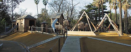 Zona de juegos en el Zoo de Barcelona