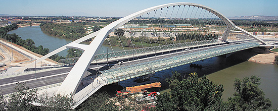 Puente del Tercer Milenio en zaragoza