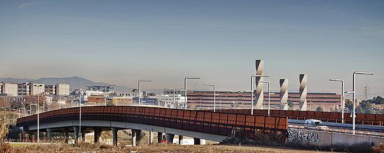 Puente sobre la AP7/B30