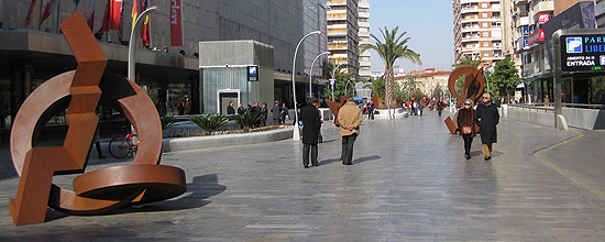 Esculturas de Jean Claude Farhi en la Avenida de la Libertad