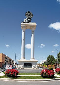 Monumento en la ciudad de ăcija