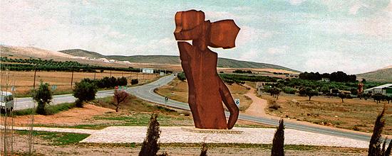 SAVIA VIVA, año 1987, Hellín (Albacete), hierro al cobre, 860 x 380 x 215 cm
