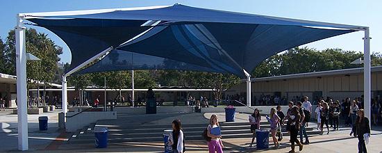 Diseño y fabricación de estructuras textiles para sombra por Shade Structures™