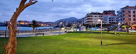 Iluminación de playas y paseos marítimos, un reto urbanístico