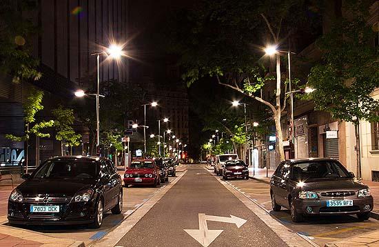Calles con niveles de iluminancia muy superiores a las permitidas.