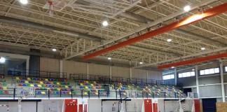 luminarias LED en el pabellón polideportivo de La Parellada en Sant Boi de Llobregat