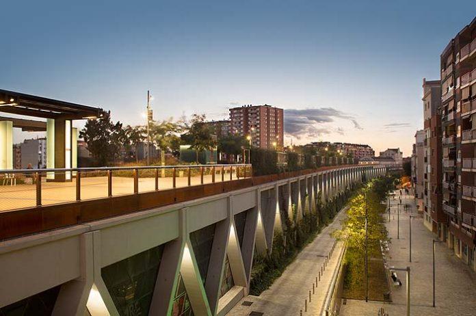 iluminación en el barrio de Sants, Barcelona