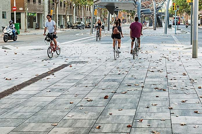Avenida Icaria, Barcelona