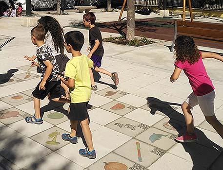 Juegos infantiles cooperativos basados en la realidad aumentada