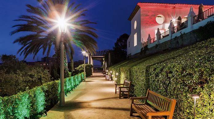 Iluminación de los jardines del Teatro Griego