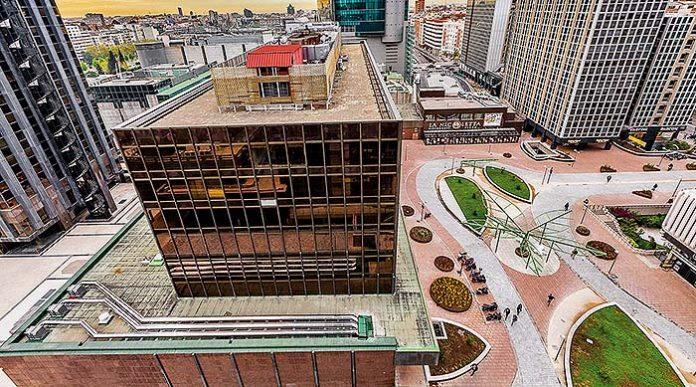 Pavimentos descontaminantes en el centro financiero Azca
