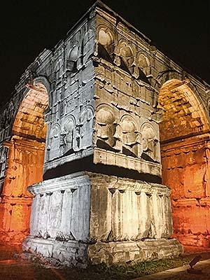 Iluminación del Arco de Jano