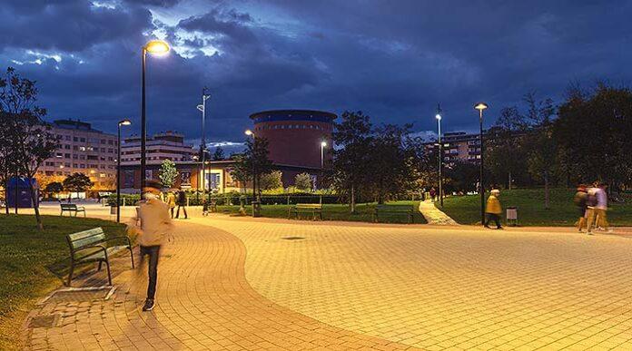 Renovación del alumbrado exterior del parque Yamaguchi y el Planetario de Pamplona con LED