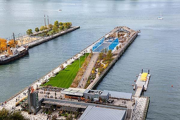 Transformación del antiguo muelle 26 de Nueva york en un nuevo espacio verde para la ciudad